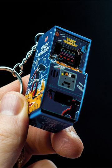 MAN GADGET SPACE INVADERS RETRO ARCADE GAME BOTTLE OPENER