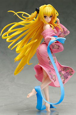 To Love-Ru Darkness Statue PVC 1/8 Golden Darkness Yukata Ver. 21 cm
