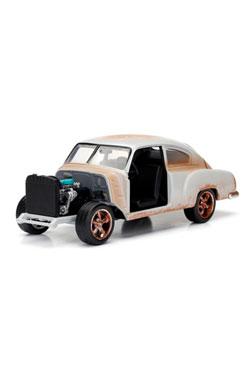 Fast & Furious 8 Diecast Model 1/24 Dom's Chevrolet Fleetline