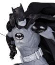 Batman Black & White Statue Ivan Reis 17 cm
