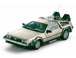 Back to the Future Diecast Model 1/18 ´85 DeLorean LK Coupe