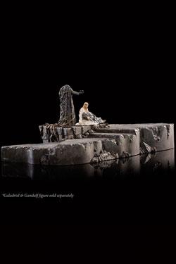 The Hobbit The Battle of the Five Armies Dol Guldur Diorama 1/30 The Palantír Courtyard 32 x 24 cm