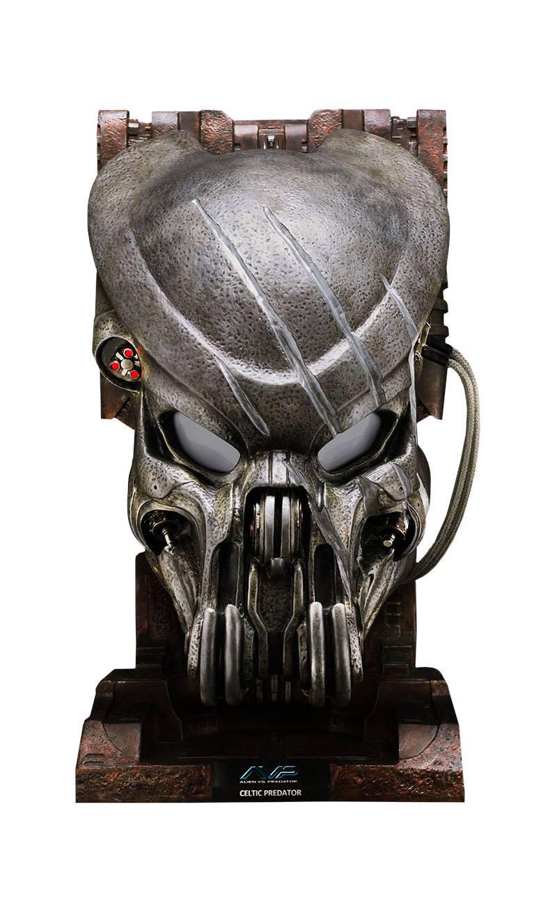 Alien vs. Predator Replica 1/1 Battle Damaged Celtic Predator Mask 50 cm