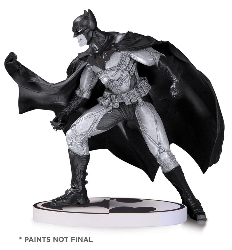 Batman Black & White Statue Lee Bermejo 2nd Edition 17 cm