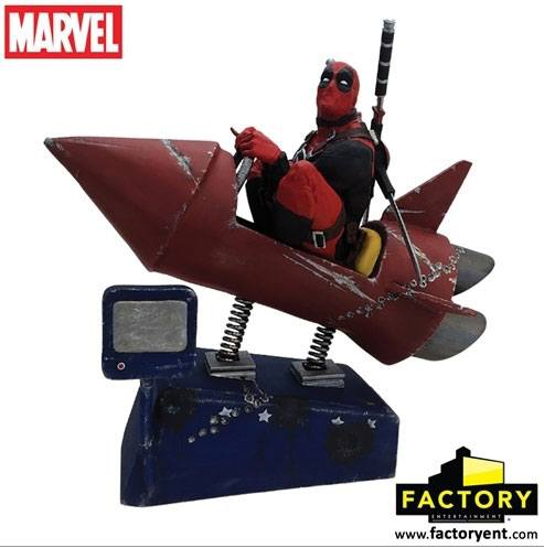 Deadpool Premium Motion Statue Rocket Ride 25 x 22 cm