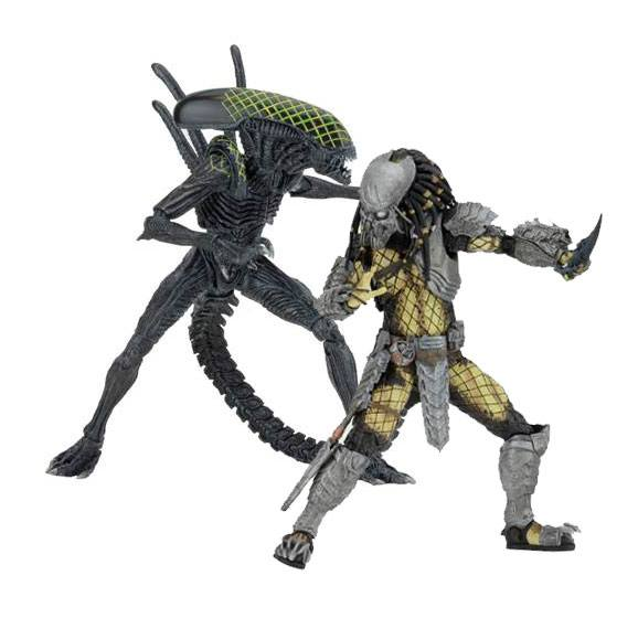 Alien vs. Predator Action Figure 2-Pack Battle Damaged Celtic vs Battle Damaged Grid 20-23 cm