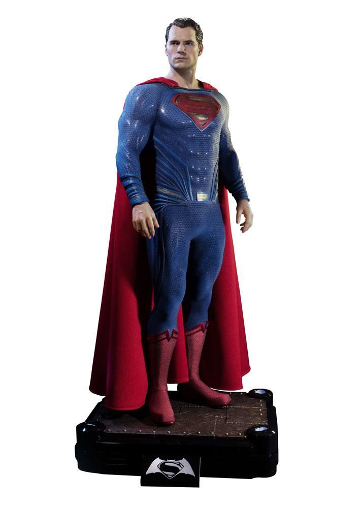 Batman v Superman Dawn of Justice 1/2 Statue Superman 106 cm