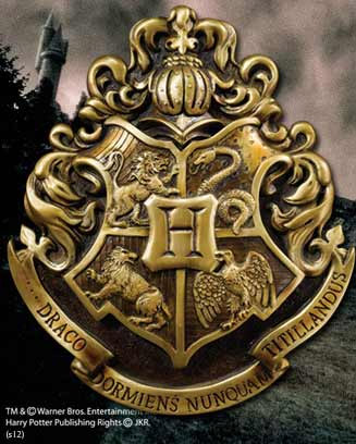 Harry Potter Wall Art Hogwarts School Crest 28 x 31 cm --- DAMAGED PACKAGING